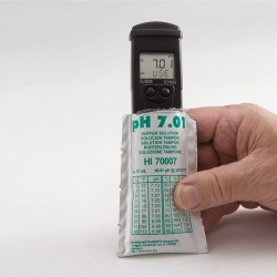 pH/Conductivity/TDS Tester EC resolution: 1 microS/cm, TDS resolution: 1 mg/L (ppm) Range: 0 to 3999 microS/cm